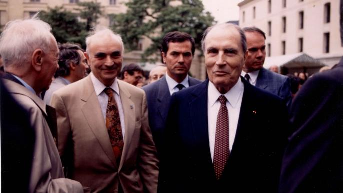Ouverture des jardins du ministère à l'occasion des dix ans du ministère de la Recherche en juin 1991, en présence de François Mitterrand